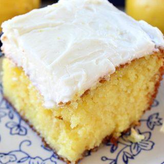 Delicious Lemon Poke Cake