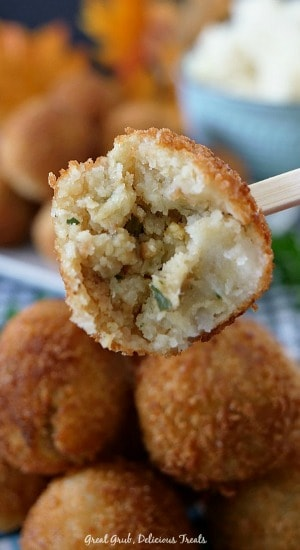 Mashed Potato Stuffing Bites are delicious and savory little bites of mashed potatoes combined with stuffing.