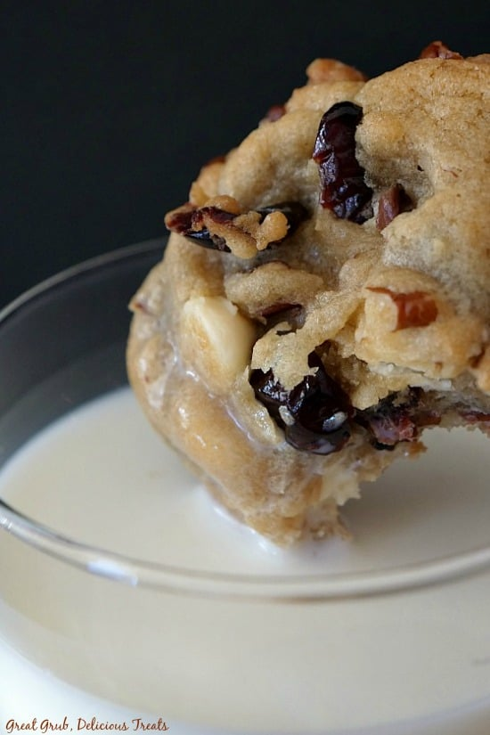 White Chocolate Cranberry Pecan Cookies are delicious dipped in milk, they are loaded with white chocolate, cranberries and pecans.