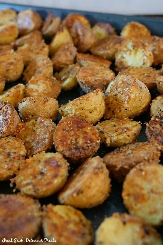 Mini Parmesan Baked Potatoes are crispy, baked and delicious mini potatoes.